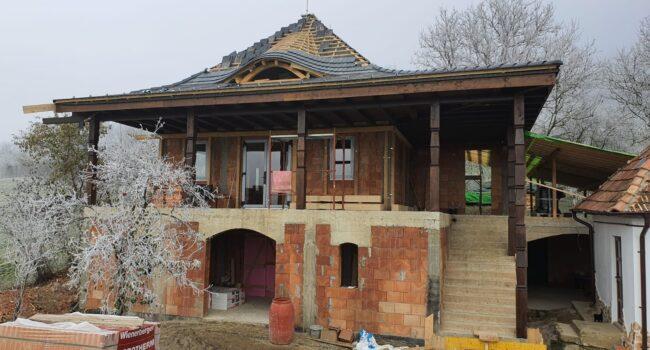 Sarmasu (Cluj) - Casa familiala, Profil Decco 71